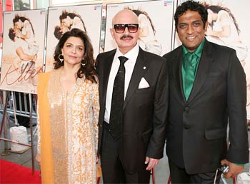 Hrithik's mother and father Pinky and Rakesh Roshan with Anurag Basu