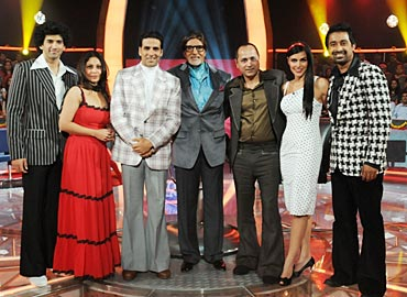 The Action Replayy team with Amitabh Bachchan