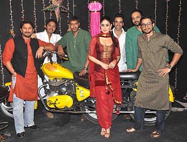 Arshad Warsi, Shreyas Talpade, Ajay Devgn, Kareena Kapoor, Tusshar Kapoor, director Rohit Shetty and Kunal Khemu