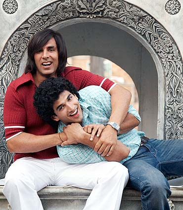 Akshay Kumar and Aditya Roy Kapoor in Action Replayy