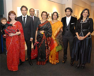 From right: Smita's younger sister Manya, Smita's son Prateek, family member Vrishali, Smita's elder sister Anita, Anita's sons Varoon and