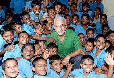 Naseeruddin Shah poses with children