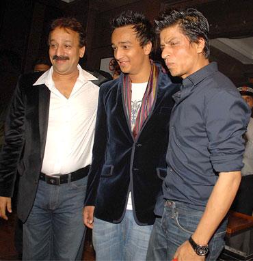 Baba Siddiqui, Zeeshan Siddiqui and Shah Rukh Khan