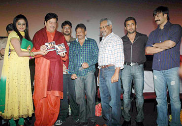 Priya Mani, Shatrughan Sinha, Ram Gopal Varma, Mani Ratnam, Suriya and Vivek Oberoi