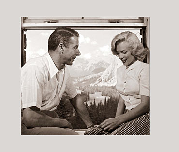 Baseball legend Joe DiMaggio and Marilyn Monroe
