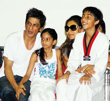 Shah Rukh Khan, Suhana, Gauri and Aryaan