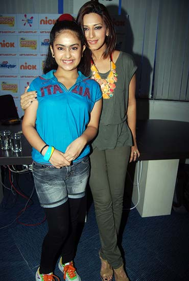 Avika Gor and Sonali Bendre