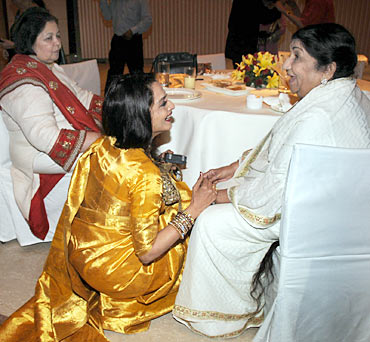Rekha and Lata Mangeshkar