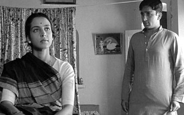 Leela Naidu and Shashi Kapoor starred as a newly married couple in Merchant-Ivory's The Householder