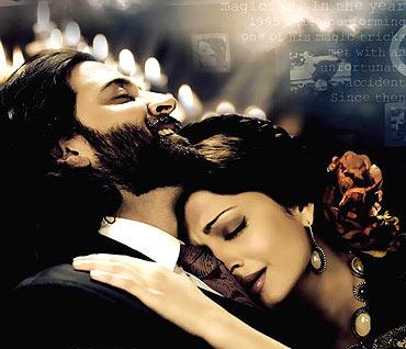 Hrithik Roshan and Aishwarya Rai Bachchan
