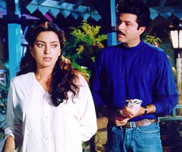 A scene from Jhoot Bole Kauwa Kate