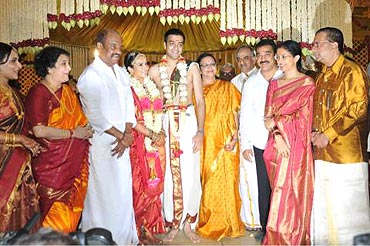 Kamal Haasan and Gautami with the family
