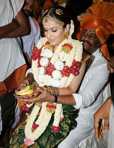 Soundarya and Rajnikanth