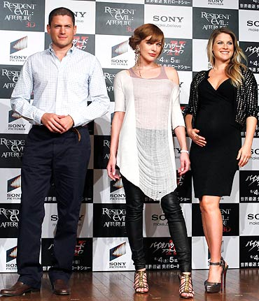 Wentworth Miller, Milla Jovovich, and Ali Larter