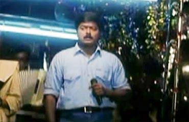 A scene from Kaalamellam Kaadhal Vaazhga