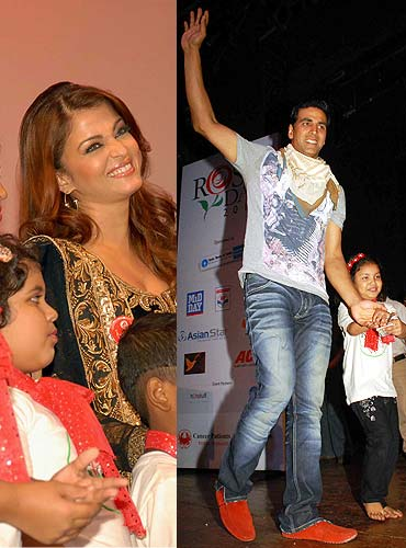 Aishwarya Rai Bachchan and Akshay Kumar interact with cancer kids