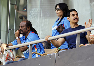 Rajnikanth his daughter Soundarya and Aamir Khan