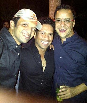 Atul Kasbekar, Sachin Tendulkar and Vidhu Vinod Chopra