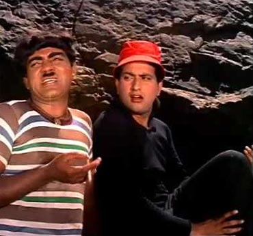 Mehmood and Manoj Kumar in Gumnaam