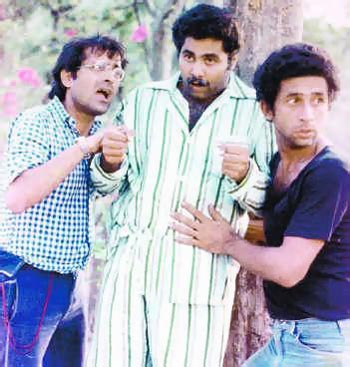 Ravi Baswani, Satish Shah and Naseeruddin Shah in Jaane Bhi Do Yaaro