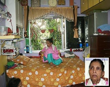 Mubarak Begum in her house in Jogeshwari