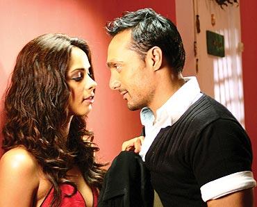 A scene from Pyaar Ke Side Effects