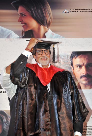 Amitabh Bachchan gets ready for convocation