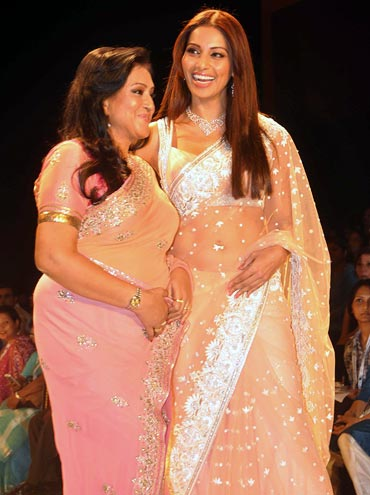 Bipasha Basu with mom Mamta