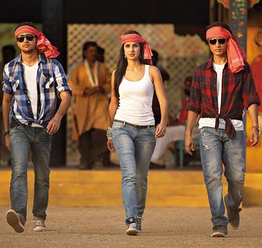 A still from Mere Brother Ki Dulhan
