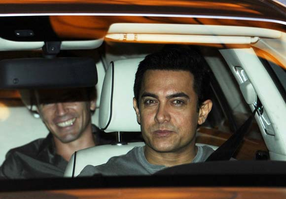 PIX: Tom Cruise parties with Bollywood - Rediff.com Movies