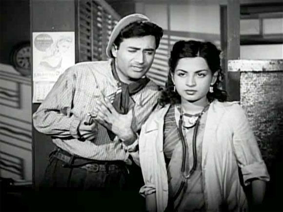A scene from Nau Do Gyarah (1957)