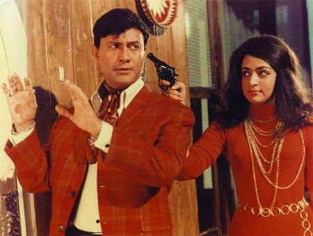 Hema Malini and Dev Anand in Johnny Mera Naam
