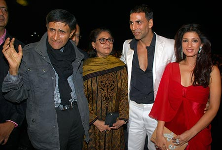 Dev Anand, Jaya Bachchan, Akshay Kumar and his wife Twinkle Khanna