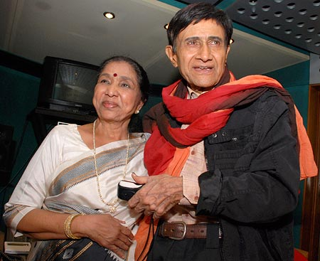 Dev Anand and Asha Bhosle