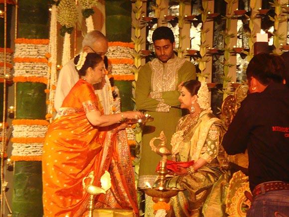 Vrinda Rai, Krishnaraj Rai, Abhishek Bachchan and Aishwarya Rai Bachchan