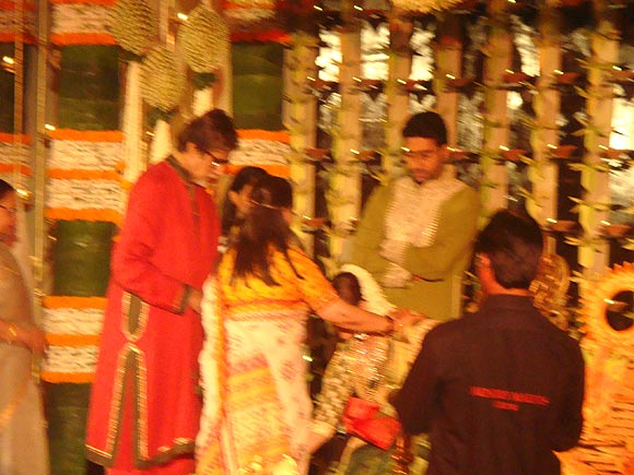 Amitabh Bachchan, Jaya Bachchan, Aishwarya Rai Bachchan and Abhishek Bachchan