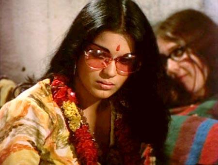 Zeenat Aman in Hare Ram Hare Krishna