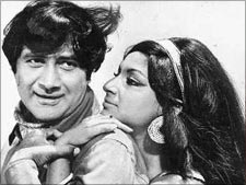 Dev Anand and Sharmila Tagore in Yeh Gulistan Hamara