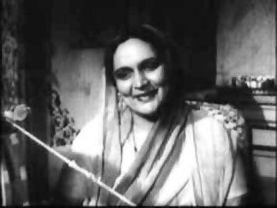 Durga Khote in Hum Ek Hain