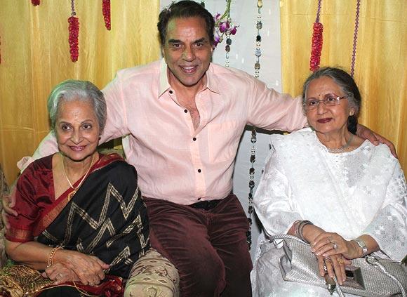 Waheeda Rehman, Dharmendra and Nanda