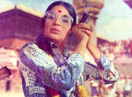 Zeenat Aman in Hare Rama Hare Krishna