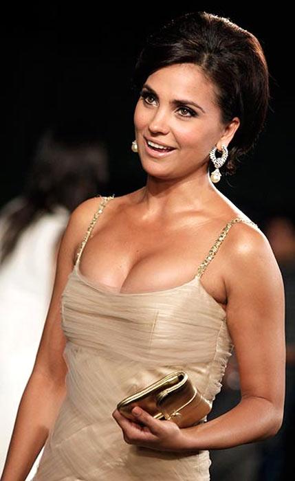 Bollywood goes nude Nude Photos 76