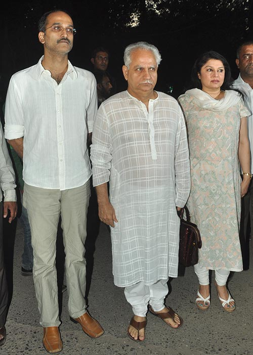Rohan and Ramesh Sippy, Kiran Juneja