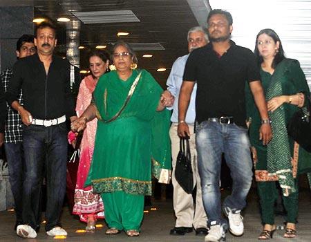 Salma Khan (in green)