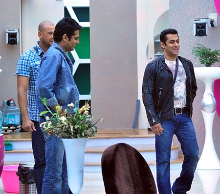 Andrew Symonds, Amar Upadhyay and Salman Khan in Bigg Boss house