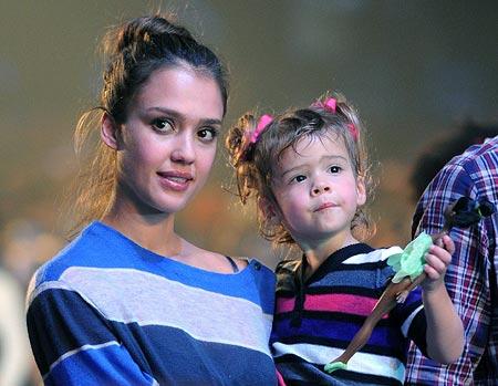 Jessica Alba holds daughter Honor Marie Warren