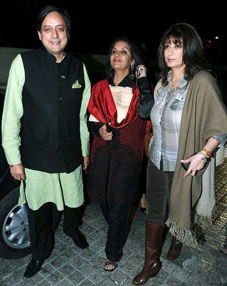 Shashi Tharoor, Shabana Azmi and Sunanda Pushkar