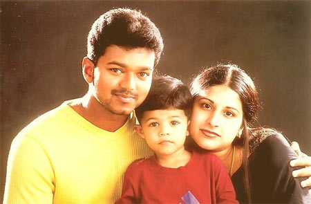 Vijay along with his son Jason Sanjay and Sangeetha