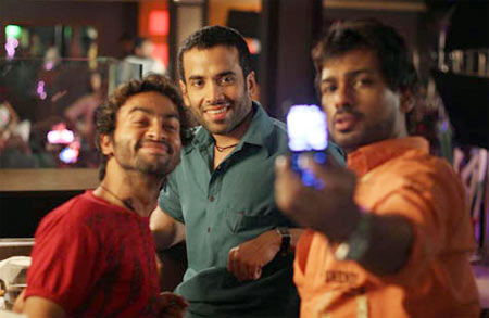 Pitobash, Tusshar Kapoor and Nikhil Dwivedi in Shor in the City