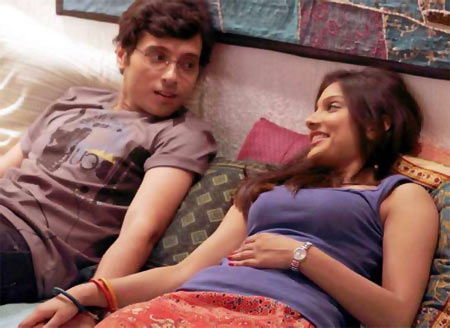 Divyendu Sharma and Ishita in Pyar Ka Punchnama